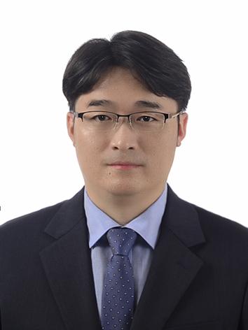 이동욱 교수